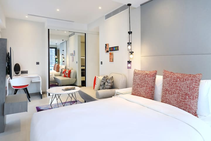 New Studio Apartment at Oakwood Studio Singapore
