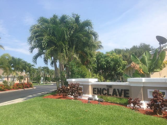 Enclave Equestrian Retreat - Greenacres