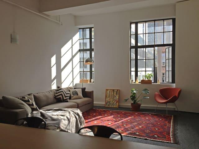 NY loft style apartment in CBD