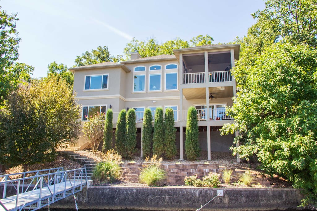 Luxury Home With Breathtaking View Houses For Rent In Lake Ozark Missouri United States
