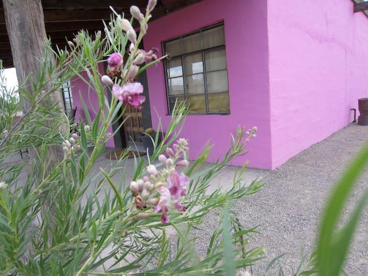 La Casa Rosa a Mexican Style casita