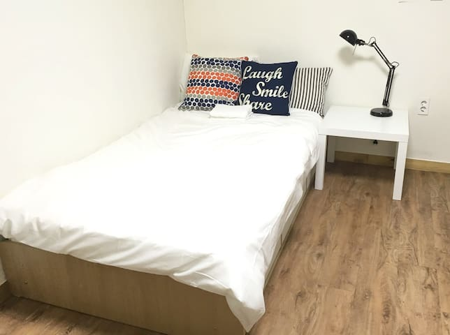 Two Bedrooms House/ Subway Line2,9 - Yeongdeungpo-gu - Flat