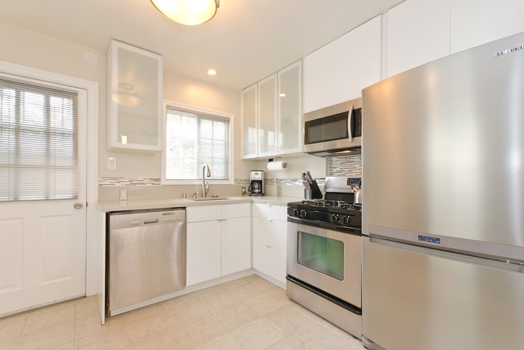 Modern Kitchen with high end stainless  Appliences