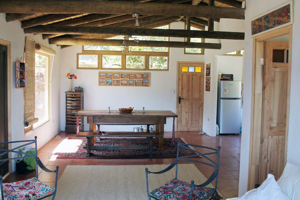 Comedor con cocina incluida / Dinning Room with the kitchen included.