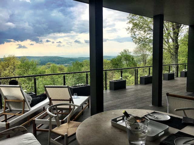Spectacular Home Breath Taking View - Hillsdale - Huis