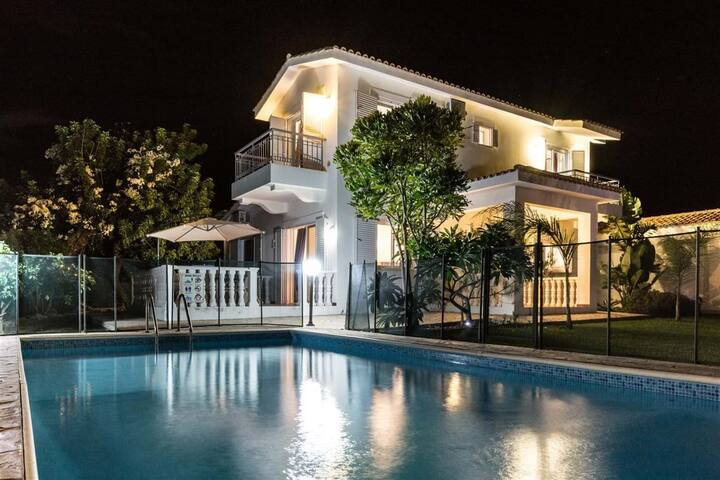 Large detached villa, private pool
