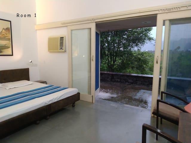 48 Art Space - Room1