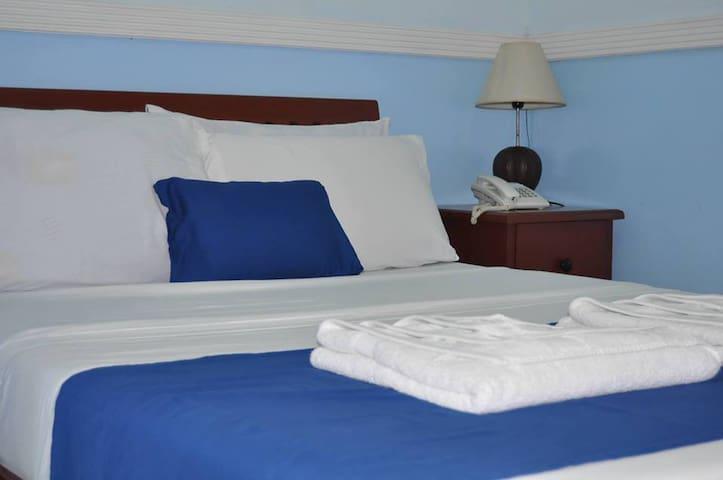 Economy Room - Tagbilaran - Bed & Breakfast