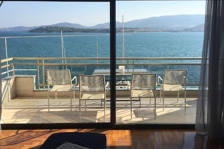 Centrally located seafront flat - Volos - Daire