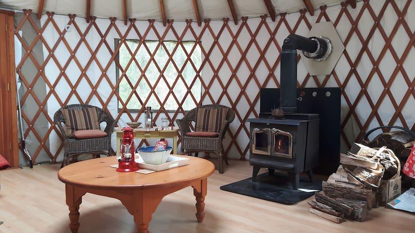 Yurt Nature Getaway - Soaring Heart Studio Retreat