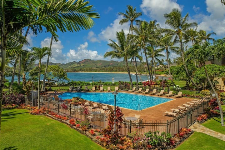 The Sandy Feet Retreat-Kauai's Royal Coconut Coast