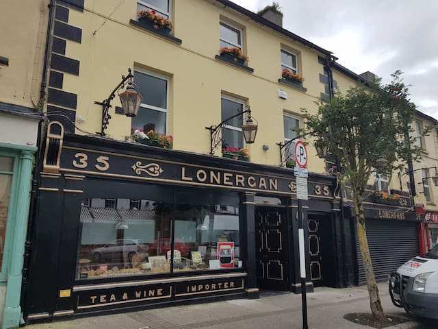 Double rm in Lonergan's Bar &  Accom. Room 5