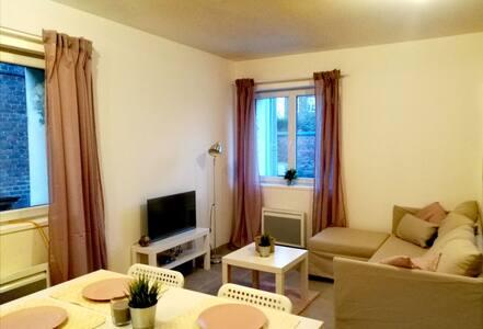 3. Maison, entièrement rénovée et meublée.