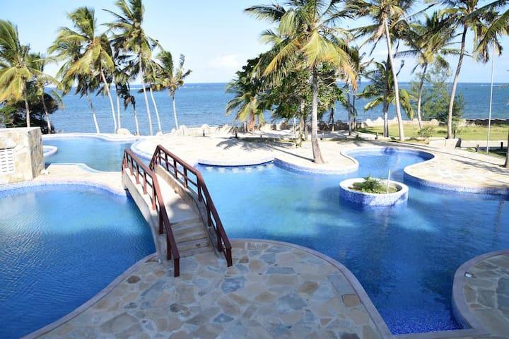 By the Ocean at ChoKa Cottage - Shanzu Mombasa