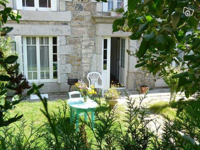 Maison de charme sur l'Aubrac - Sainte-Geneviève-sur-Argence - Dům