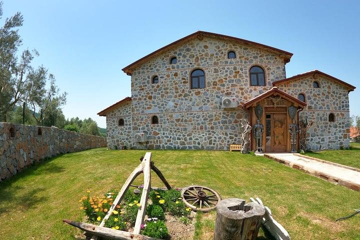 Askania Stone House - 3