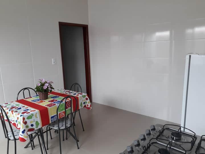 Pouso Alegre, CASA FUNDOS PRIVATIVA COM GARAGEM