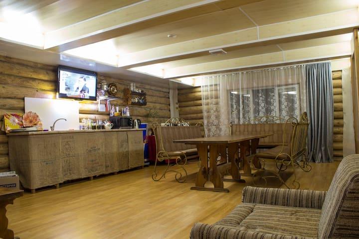 Дом в стиле шале в южной части города - Cheboksary - Hus