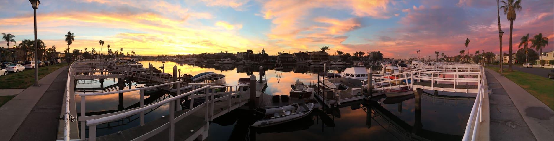 Dexter's Bayfront Beach House - Long Beach - Casa