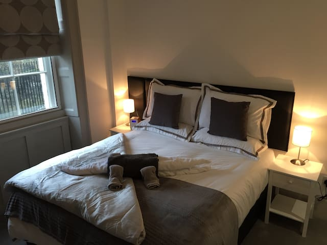 Ground Floor Retreat minutes walk from city centre - Bath - Appartement