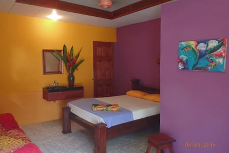 A lovely room close to the beach - Uvita