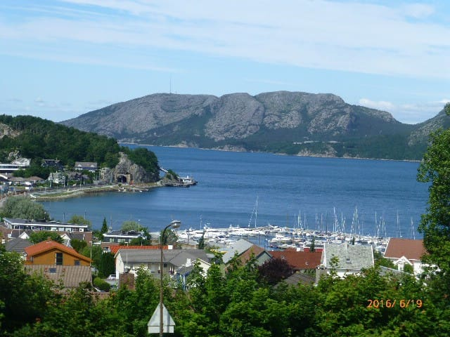 Room with spectacular view on the fjord - Sandnes - Daire