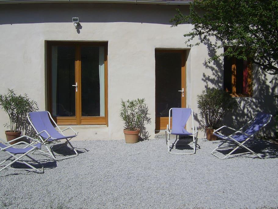 maison du sud de la france et piscine casas en alquiler en servian occitanie francia. Black Bedroom Furniture Sets. Home Design Ideas