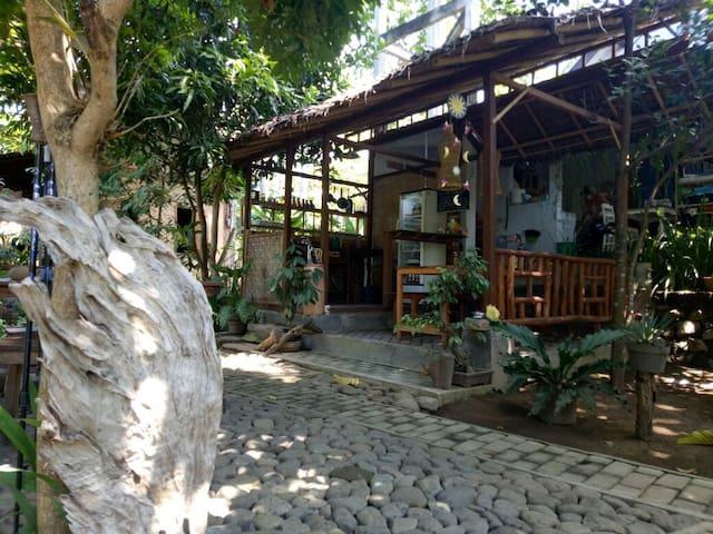 Pondok for Three Pax at Didu Banyuwangi