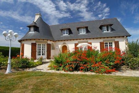 Villa Saint Malo 12 ou 24 persons - Saint-Jouan-des-Guérets - Hotel boutique