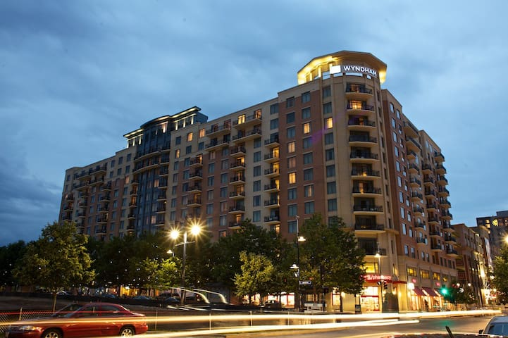 Wyndham National Harbor 4 Bedroom Presidential (3) - Oxon Hill