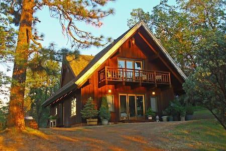 Manzanita Guest House near Yosemite 2+BD - Midpines - บ้าน