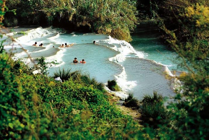 Saturnia (Hot springs - 1hr drive)