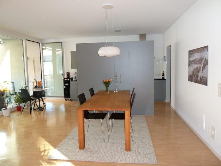 Modern room near the Trainstation for a single