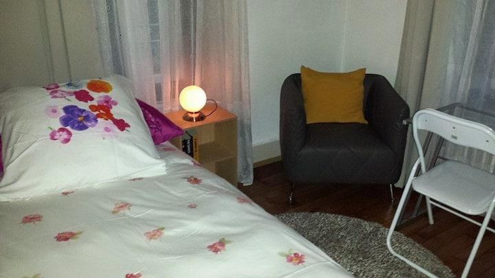 A3c3 chambre avec télévision, WIFI