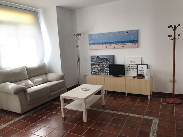 Great apartment with your own garage near Gib