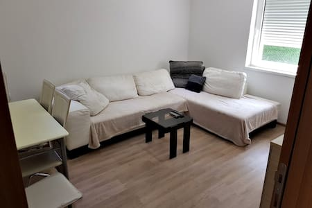 Comfy apartment, near city and river, fully eqpd