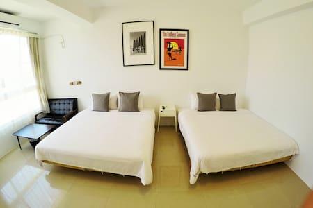 以馬內利衝浪旅店-四人房