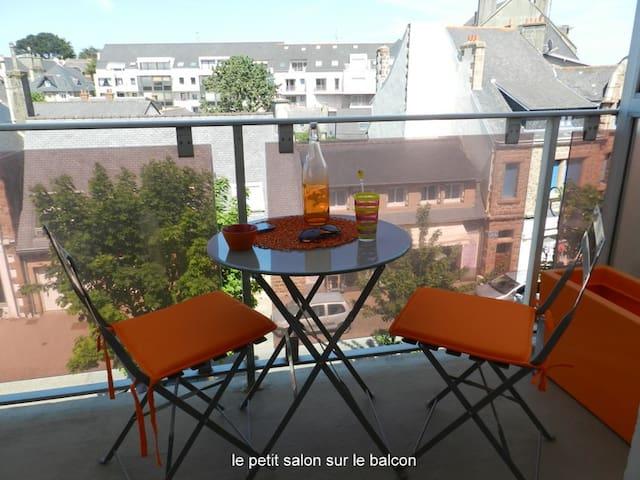 LE BIGORNEAU  STUDIO PLEIN CENTRE  WIFI - Perros-Guirec - Apartamento