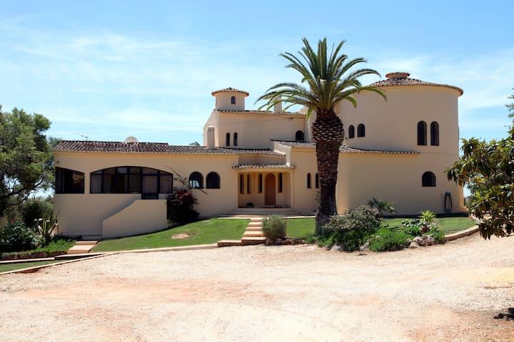 Magnificent Villa with sea view - Lagos - Villa