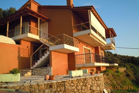 Holiday house verga - ΚΑΛΑΜΑΤΑ - Casa