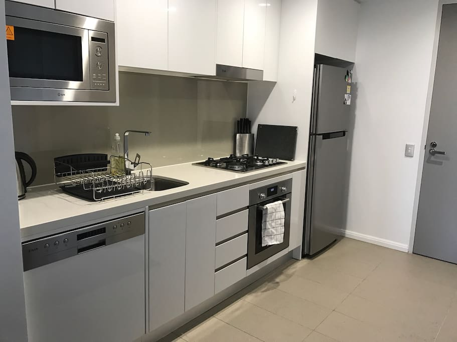 Modern 1 Bedroom Apartment Near Sydney Cbd Apartments