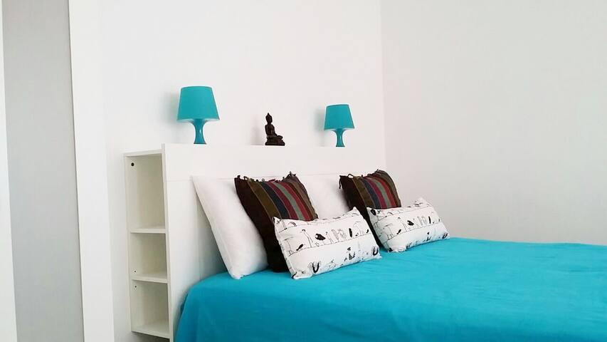 lovely flat in Milan Center Blue