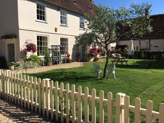 Family friendly luxury Dorset Farmhouse - Wimborne Saint Giles - Haus