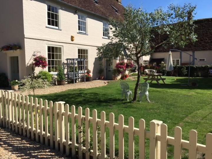 Family friendly luxury Dorset Farmhouse