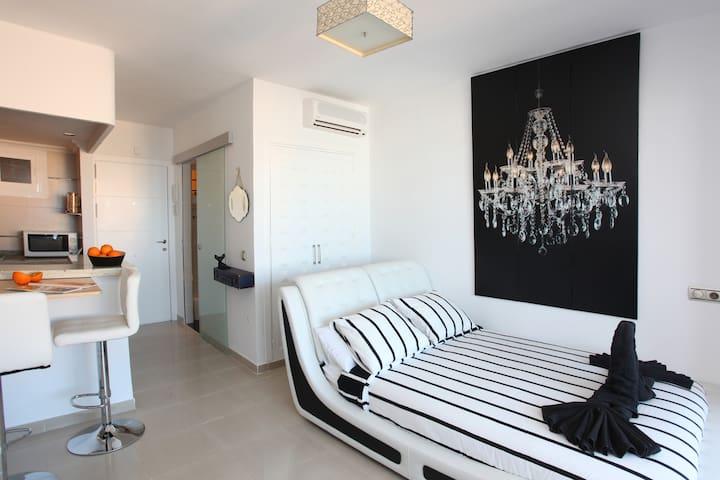 Apartamento luminoso Puerto Sol - Benalmádena - Bed & Breakfast