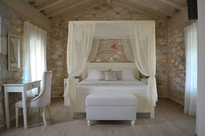 Liako: Romantic studio for 2 with private terasse