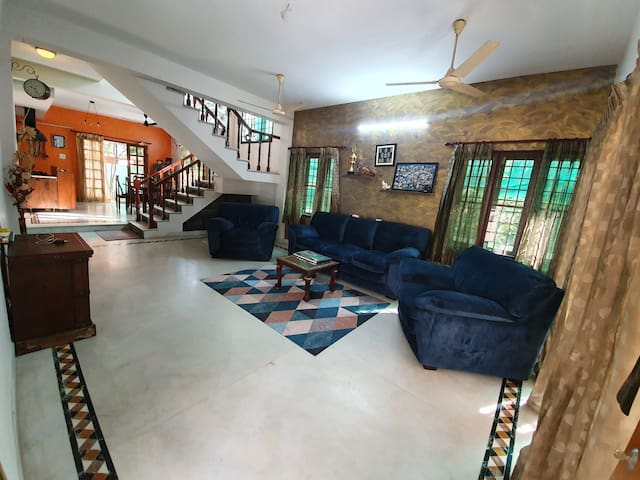 Blue Haven - Villa by the Beach - In-house cook!