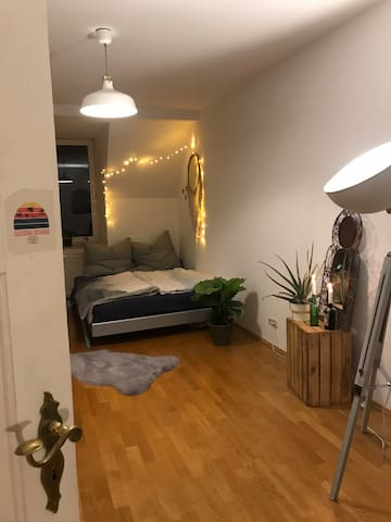 Homelike old-built flat with central location
