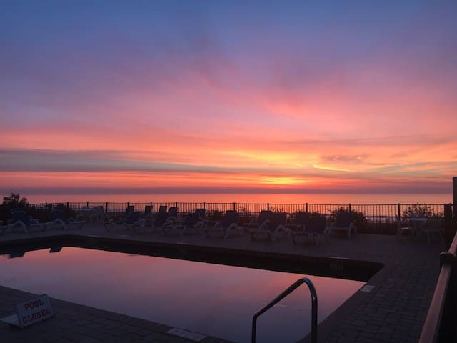 Bluewater Resort - Gorgeous Sunrise, Best Beach!