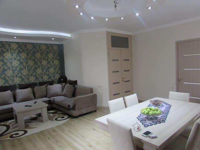 Новая большая Квартира Рядом с Батуми - Batumi - Apartamento